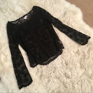 S/M Xhilaration black lace top with bell sleeve